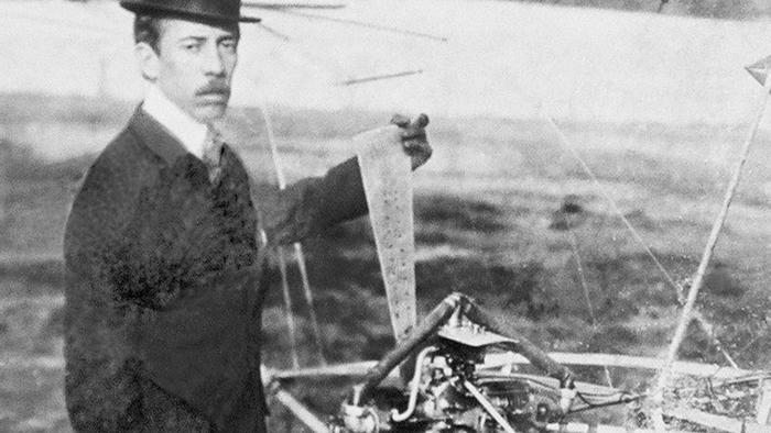Альберто Сантос-Дюмона - великий бразильский летчик-изобретатель.