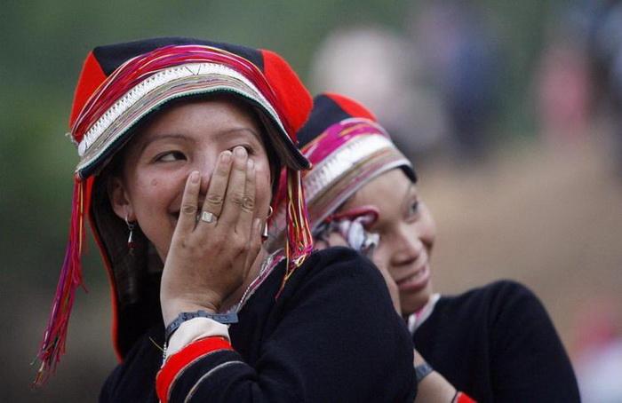 Девушки на ярмарке любви во Вьетнаме