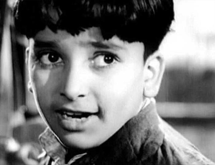 Шаши Капур в молодости на съемках фильма Awara. Фото: thequint.com