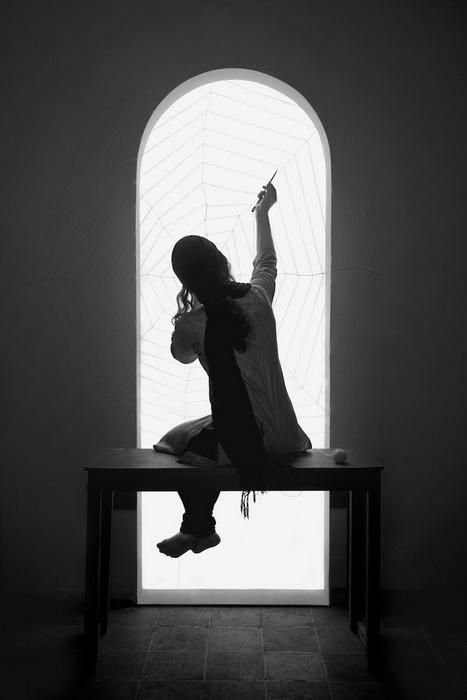 Мисс Бабочка: фотопроект от Шади Гхадириан (Shadi Ghadirian)
