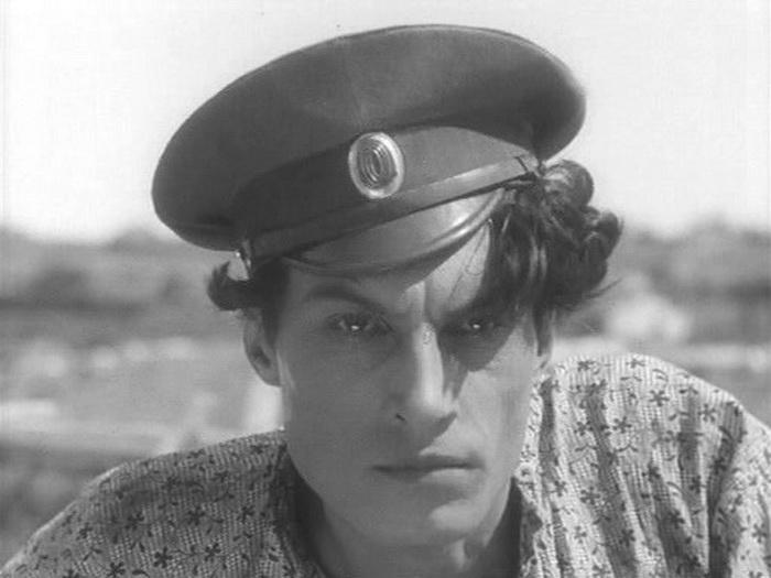 Андрей Абрикосов в образе Георгия Мелехова. Кадр из х/ф *Тихий Дон*