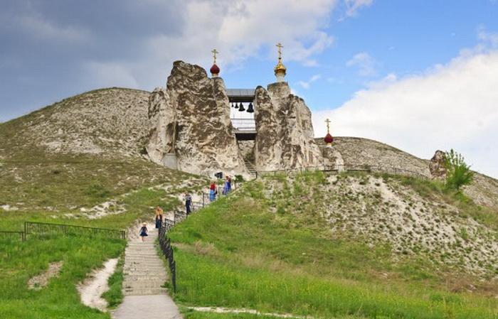 Свято-Спасский монастырь в Воронежской области (Россия)