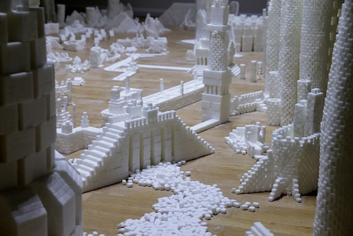 Инсталляция *Сахарный мегаполис*
