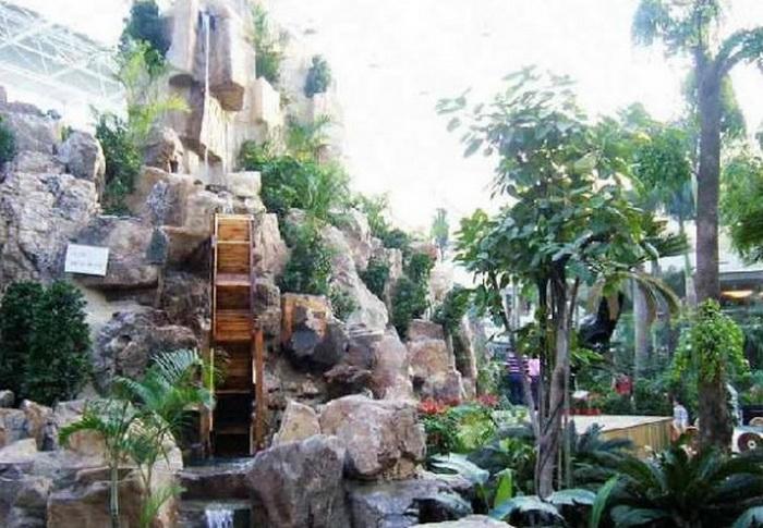 В Tang Dousheng State Park можно отыскать множество водопадов