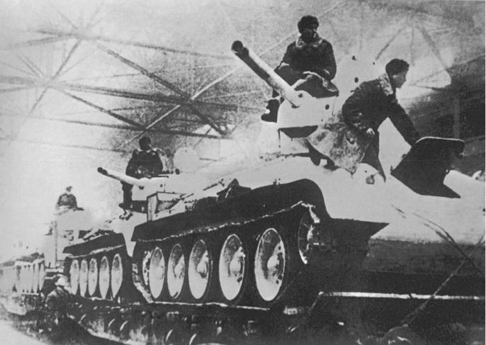 В годы войны Челябинск называли Танкоградом