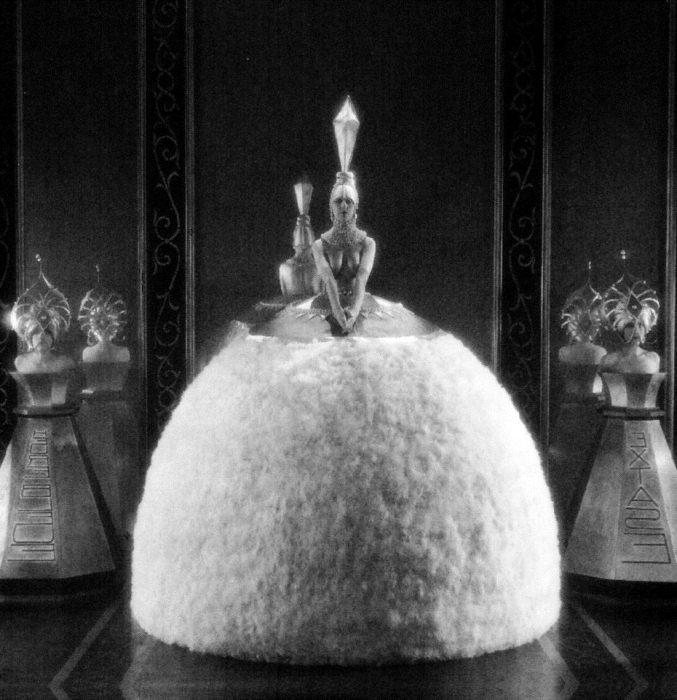 Костюм для фильма *Яркие огни* Роберта Леонарда, 1925 г.