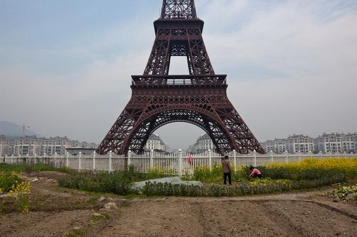 Эйфелева башня на китайский лад