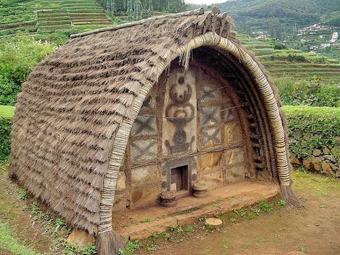Традиционно дом украшают изображением рогов буйвола