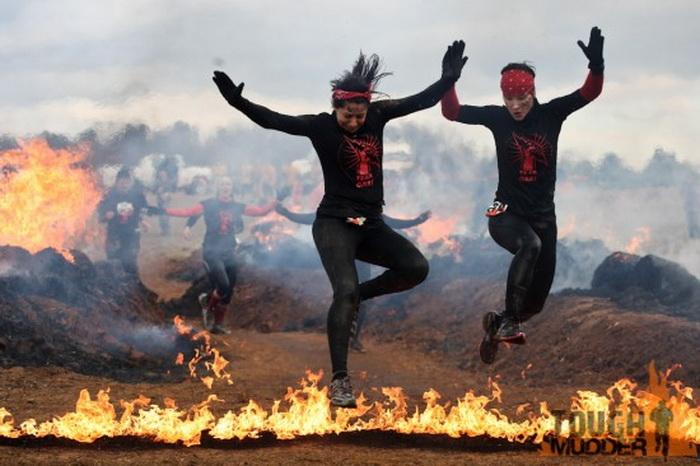 Tough Mudder: Забег на выживание с огненными препятствиями