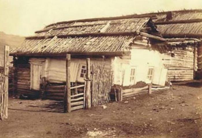 Дом, в котором жили Трубецкая и Волконская