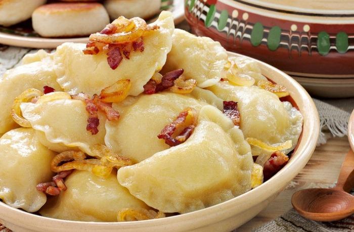 Вареники - одно из самых вкусных блюд украинской кухни.