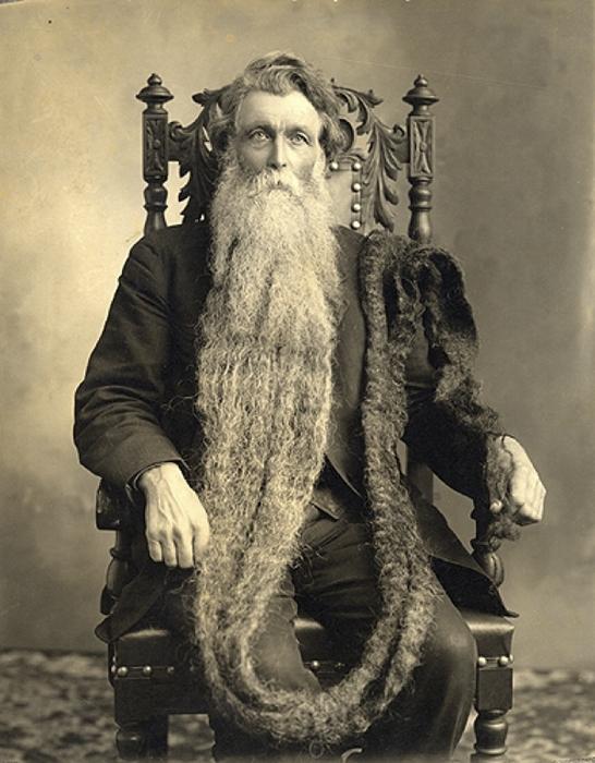 Валентин Тэпли - обладатель самой длинной бороды.