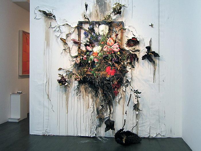 Цветочное безумие. Работа Valerie Hegarty