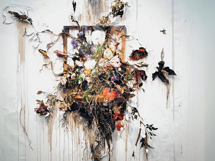 Эпатажные работы художницы Valerie Hegarty