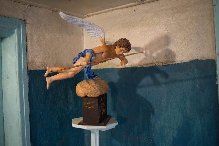 Печальный демон. Скульптура Валерия Ермакова.