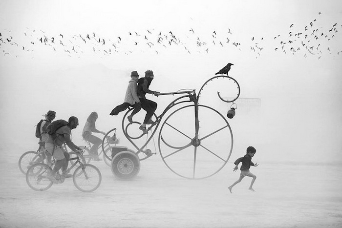 Сюрреалистические фотографии с фестиваля Burning Man от Виктора Хабчи (Victor Habchy)