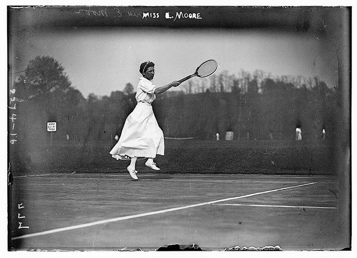 Элизабет Мур - молодая теннисистка.