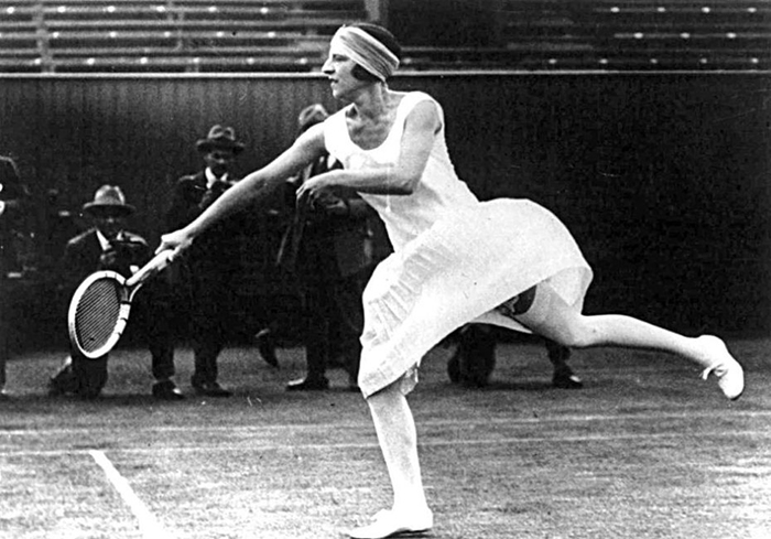 Сюзанн Рашель Флора Ленглен во время турнира.