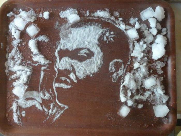 Портрет Ice Cube из колотого льда и соли от Vivi Mac