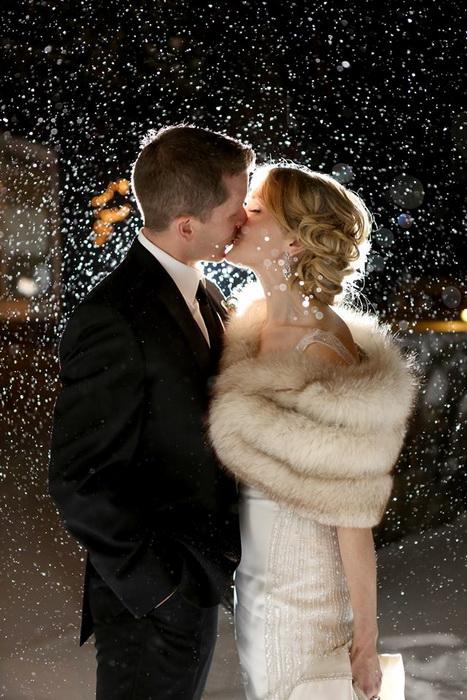 Свадебные фотографии под дождем и снегом. Фотография The Camera Chick
