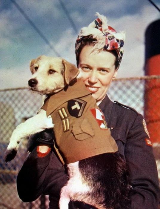 Военнослужащая на корабле Queen Mary. Ноябрь, 1945