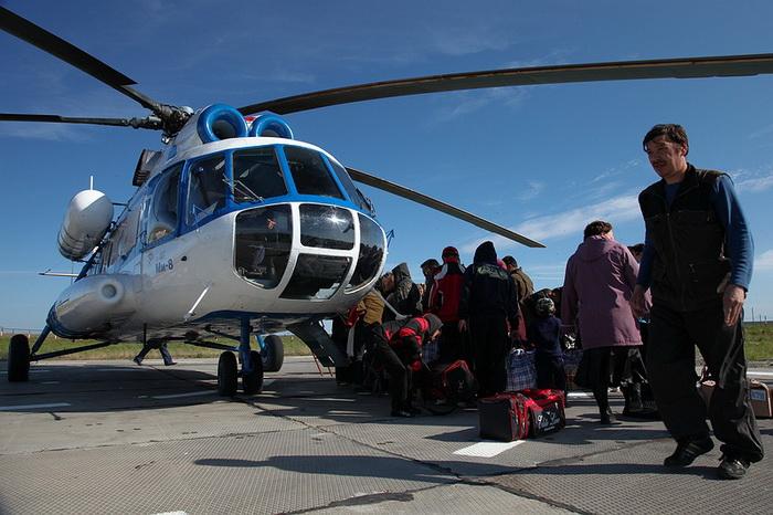 Раз в неделю в Яр-Сале прилетает вертолет, налажено воздушное сообщение с Салехардом