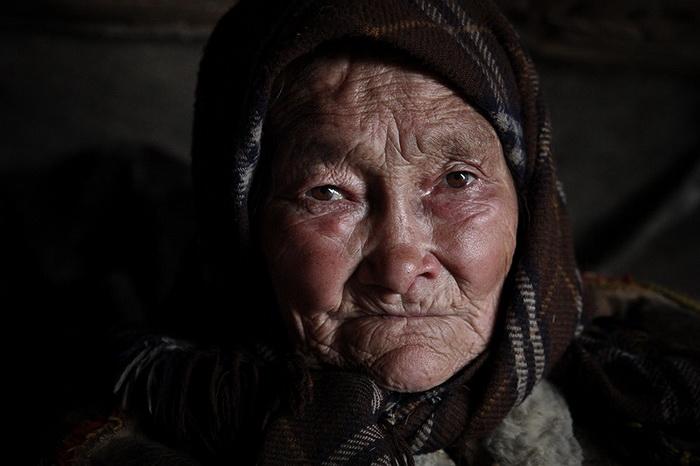 Женщина из поселения ненцев