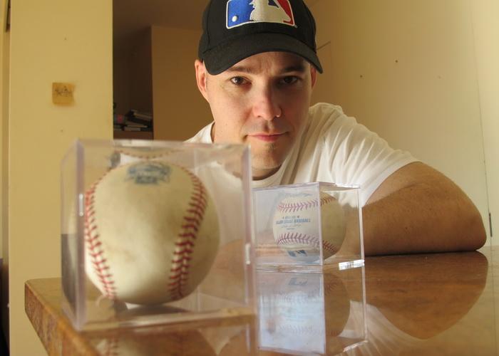 Бейсбольные мячи - страсть Зака Хэмпла