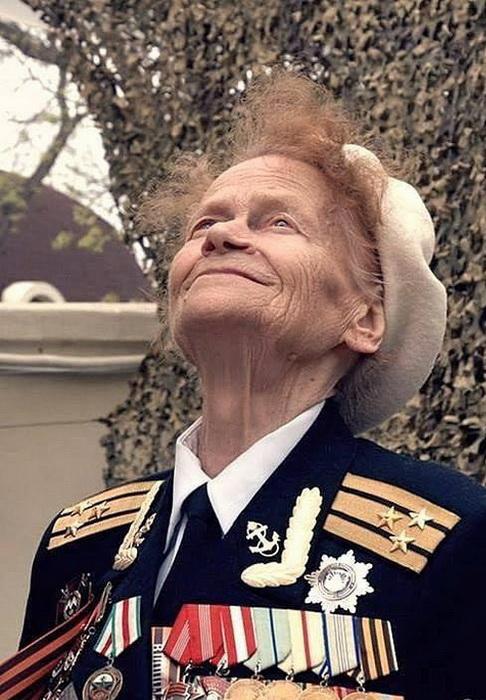 Портрет ветерана Великой Отечественной войны Евдокии Завалий. Фото: Peoples.ru