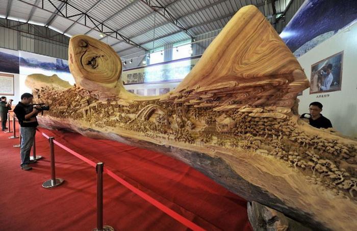 12-метровая деревянная скульптура от Zheng Chunhui