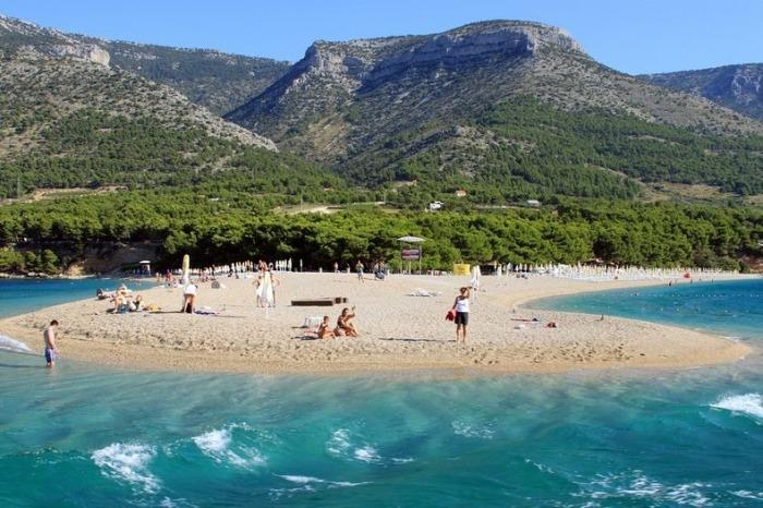 Золотой Рог - живописный пляж в Хорватии