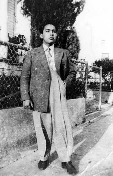 Широкие брюки и удлиненный пиджак
