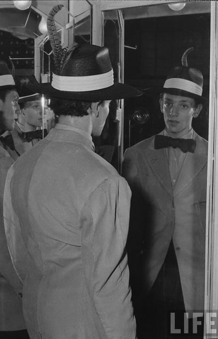 Шляпа - привычное дополнение зут-костюма