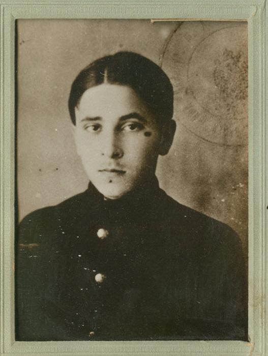 Михаил Зощенко во время обучения в гимназии