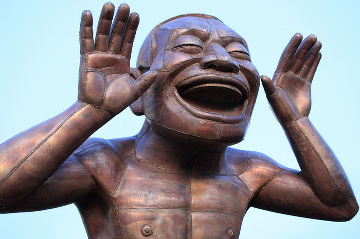 A-maze-ing Laughter - необычные бронзовые скульптуры