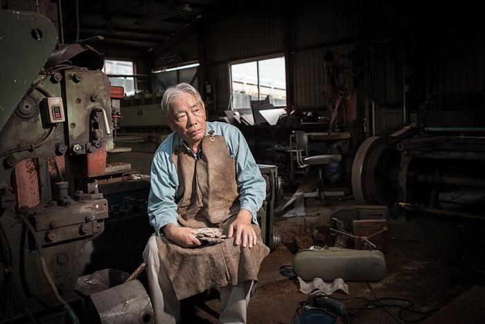 Katsuyuki Yashima в своей мастерской