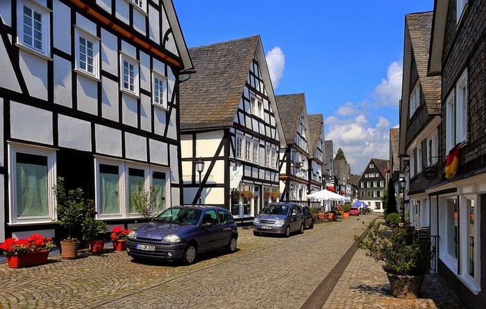 Старинные улицы Фройденберга (Германия)