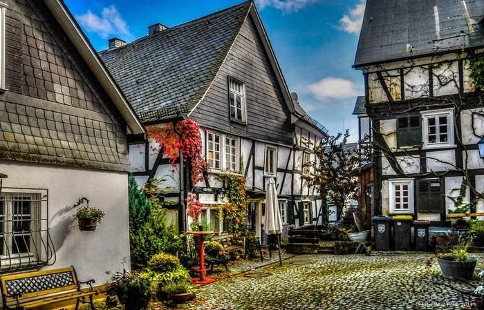 Уютные старинные дворики