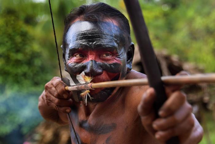 Воин из племени ваямпи.