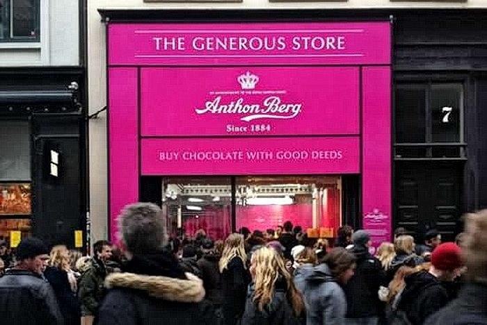 В магазине шоколада Anthon Berg нет отбоя от покупателей