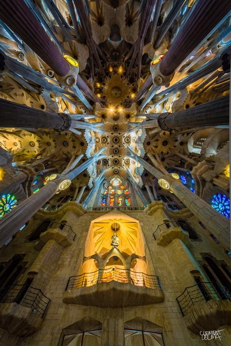 Храм Святого Семейства строится по проекту Антонио Гауди