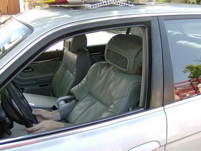 Превратитесь в автомобильное сидение и наблюдайте за реакцией людей
