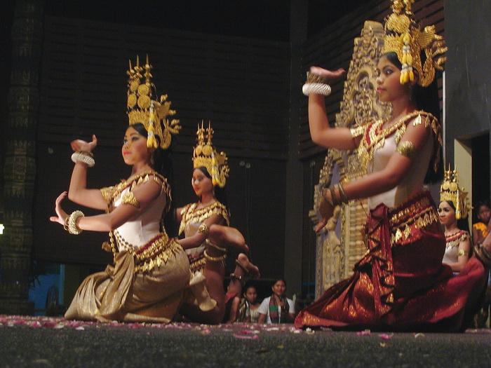 Современный танец апсар