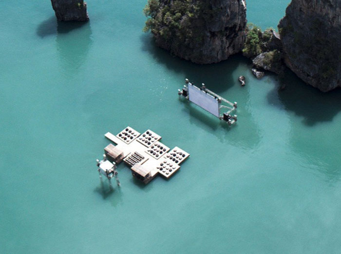 """Первый плавающий кинотеатр """"Archipelago Cinema"""""""