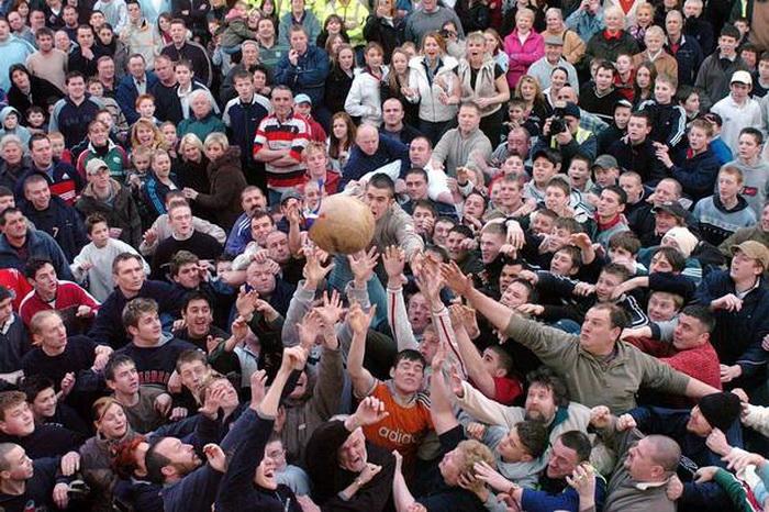 Английская игра с мячом