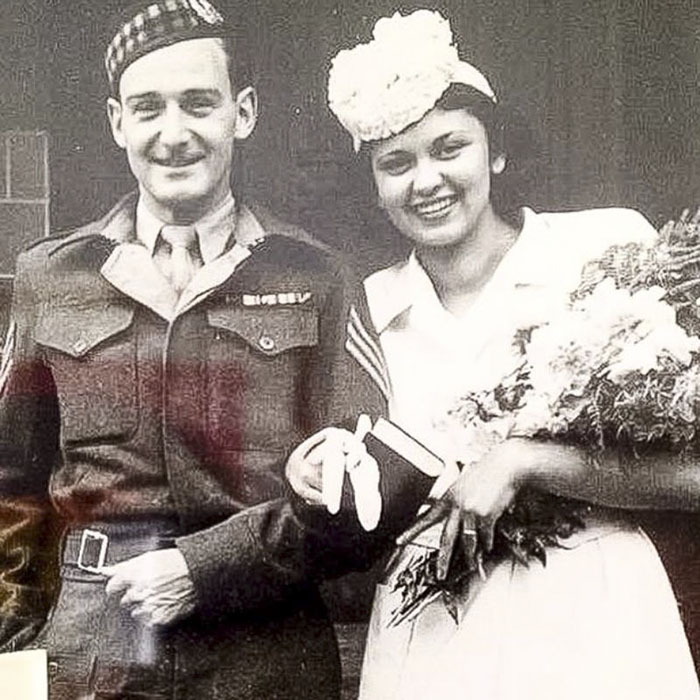 Свадьба состоялась в Шотландии 17 июля 1946 года.