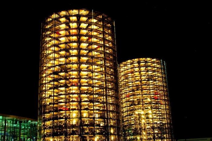 Инновационный выставочный центр автомобилей Volkswagen