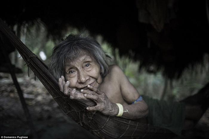 Женщина племени ава