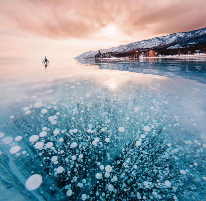 На велосипеде по замерзшему Байкалу