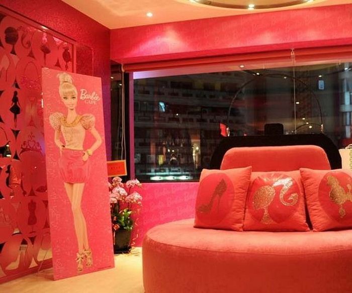 Barbie Cafe: кукольный домик в натуральную величину